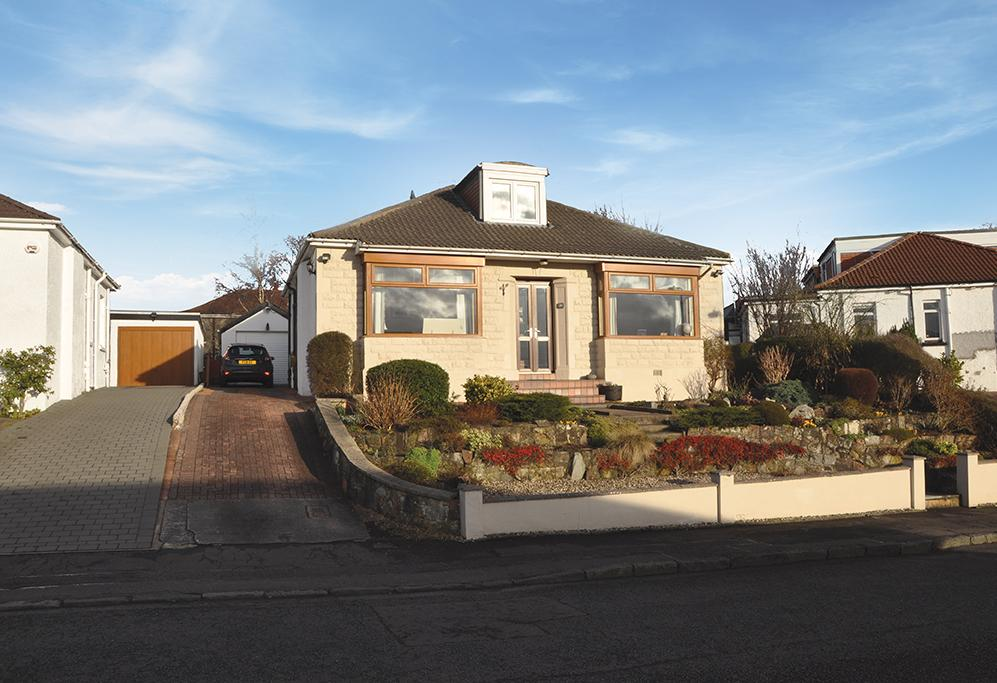 3 Bedrooms Detached House for sale in 29 Clyth Drive, Giffnock, G46 6NW