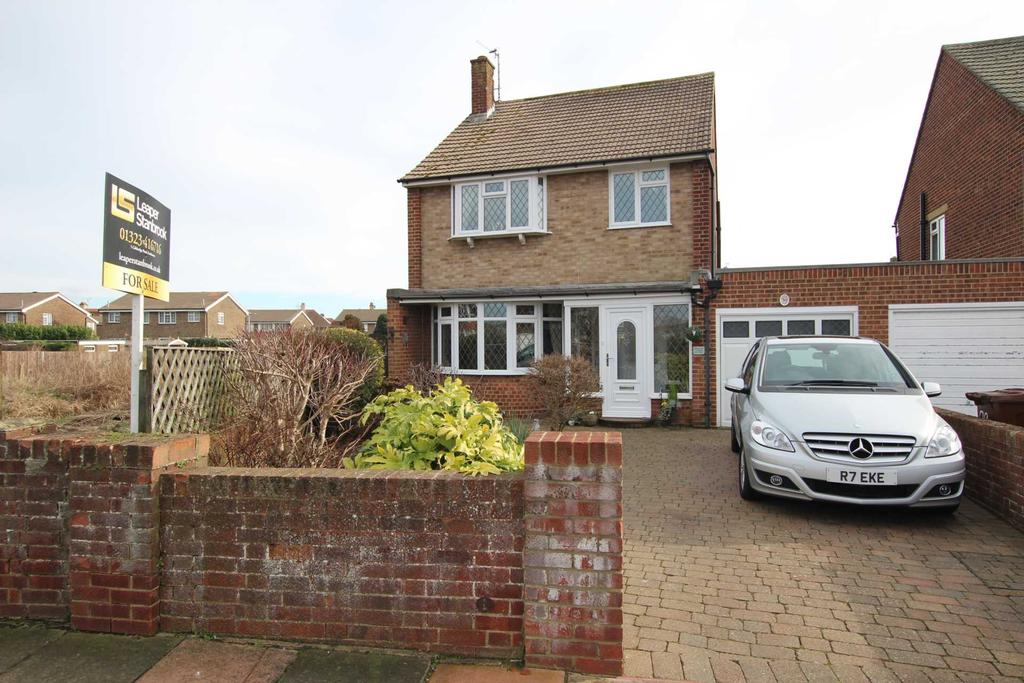 3 Bedrooms Detached House for sale in Astaire Avenue, Eastbourne, BN22 8UN