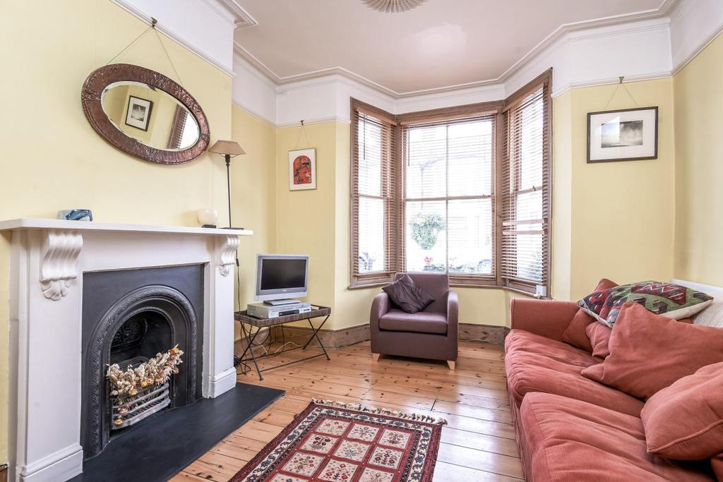 3 Bedrooms Terraced House for sale in Graveney Road, Tooting, SW17
