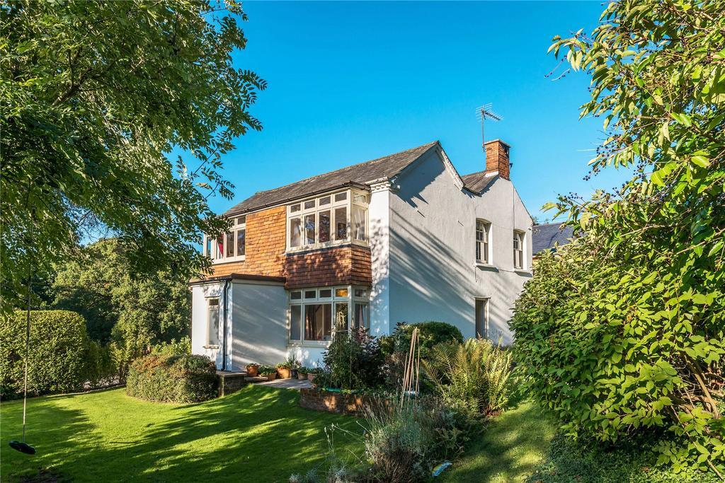 4 Bedrooms Detached House for sale in Manley Bridge Road, Rowledge, Farnham, Surrey