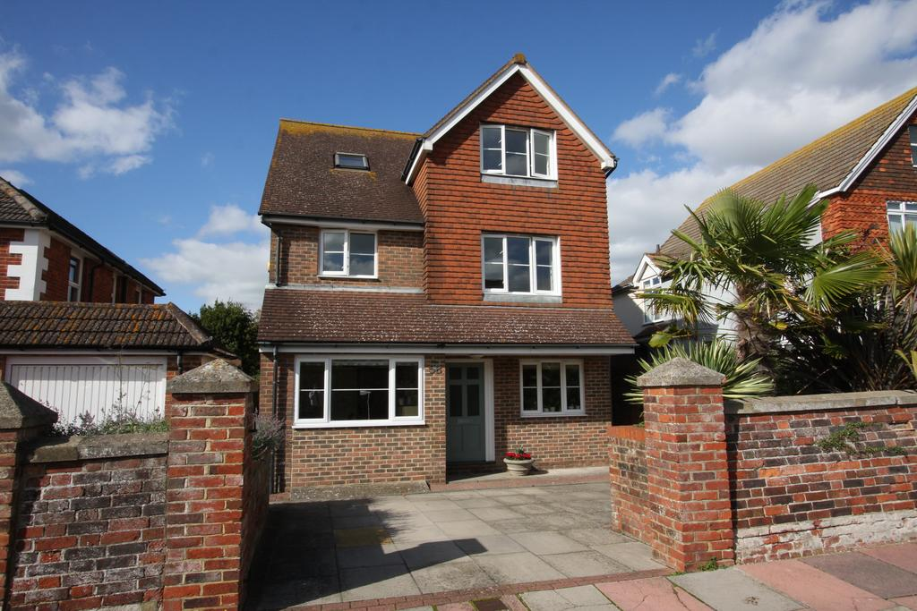 5 Bedrooms Detached House for sale in Watts Lane, Eastbourne BN21