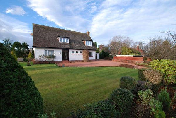 4 Bedrooms Detached House for sale in Garden Lodge, 25 Baird Road, Alloway, Ayr, KA7 4PN