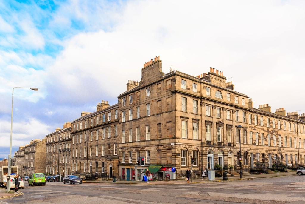 1 Bedroom Flat for sale in 45a/2 Dundas Street, New Town, EH3 6RS