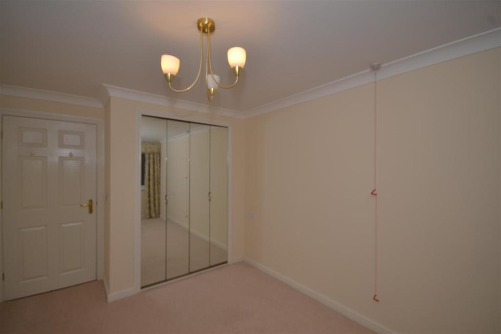 1 Bedroom Apartment Flat for sale in Willow Bank Court, Beckenham Close, East Boldon