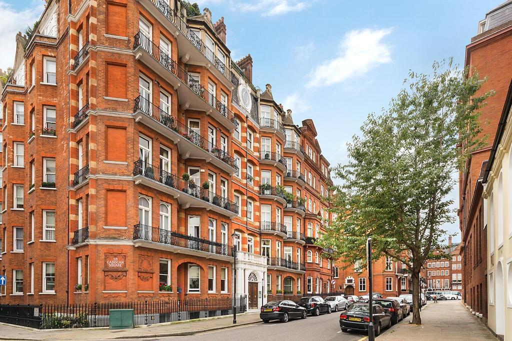 2 Bedrooms Apartment Flat for sale in Cadogan Square, London, SW1X