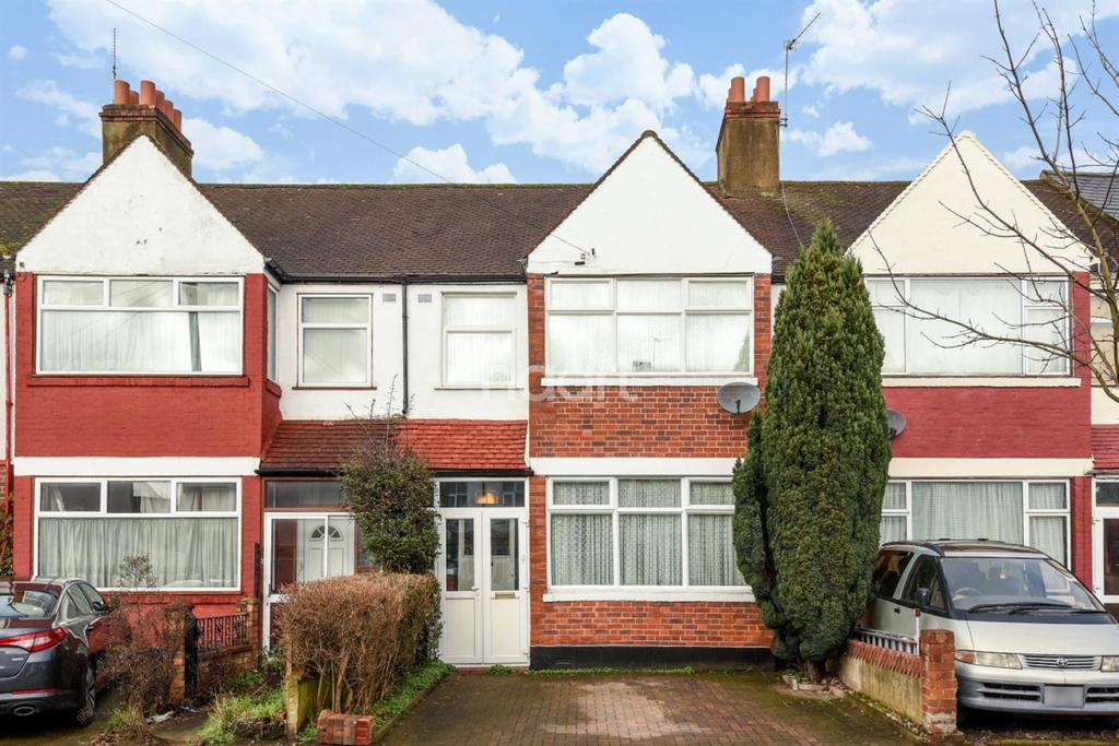3 Bedrooms Terraced House for sale in Fishponds Road, Tooting , SW17