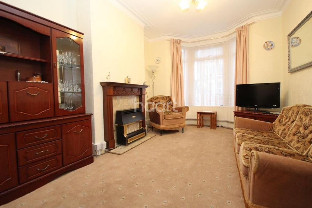 3 Bedrooms Terraced House for sale in Caistor Park Road, London, E15