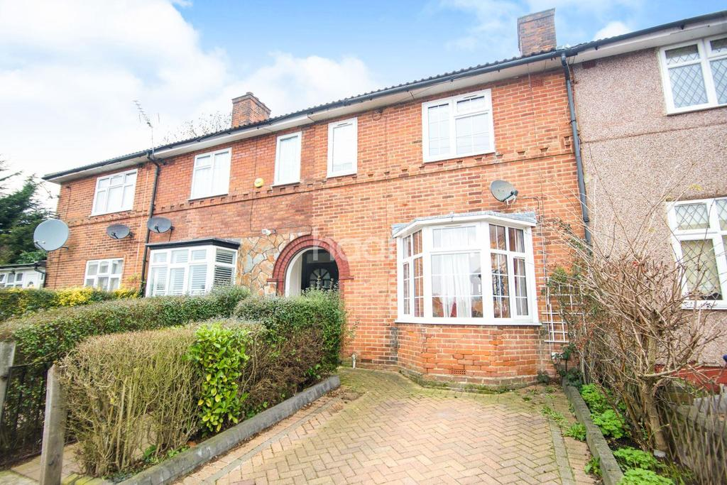 3 Bedrooms Terraced House for sale in Abbotts Road, Edgware, Middlesex, HA8 0RX
