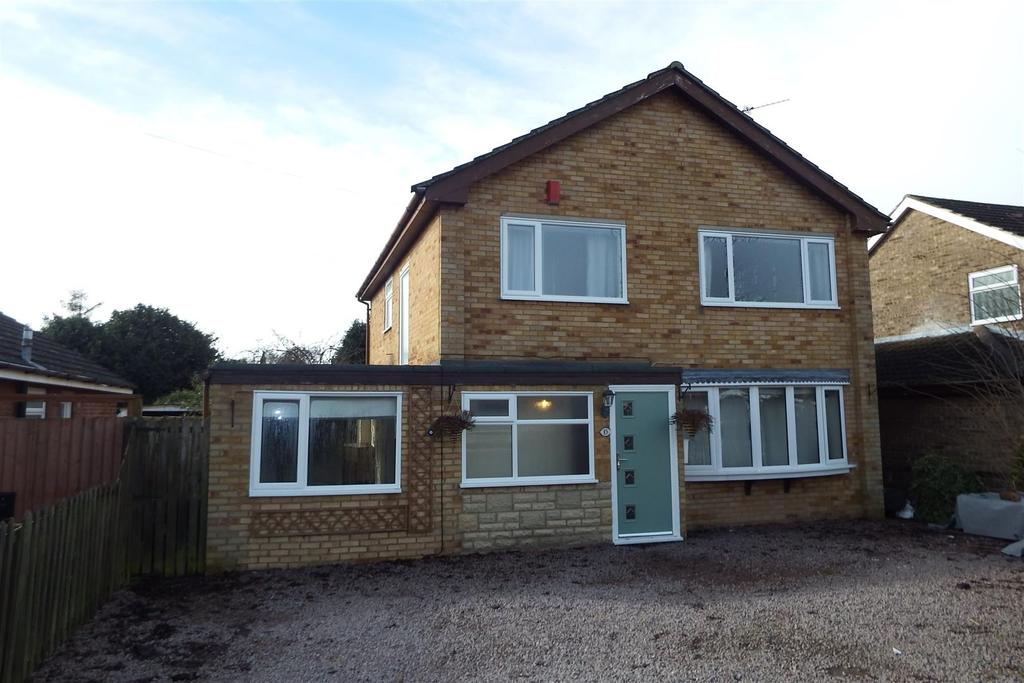 4 Bedrooms Detached House for sale in The Chase, Pinchbeck
