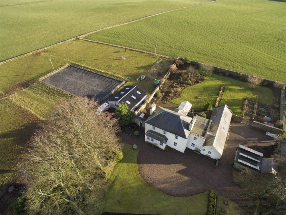 5 Bedrooms Detached House for sale in Westruther, Gordon, Scottish Borders, TD3