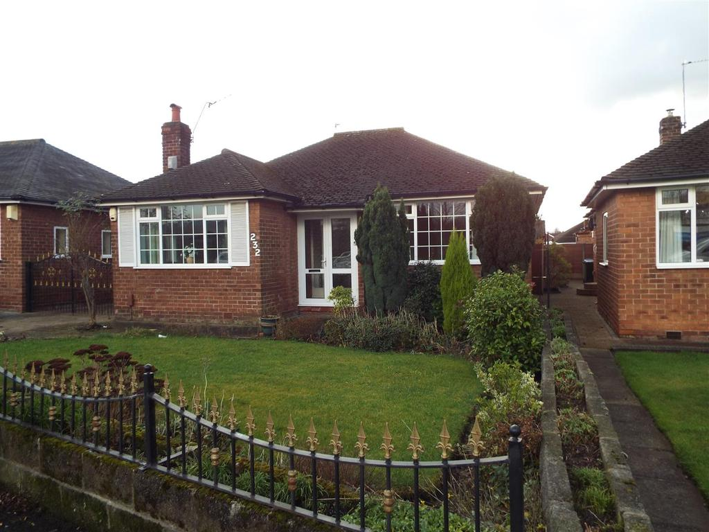 2 Bedrooms Detached Bungalow for sale in Councillor Lane, Cheadle