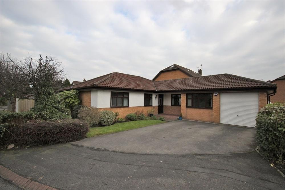 3 Bedrooms Detached Bungalow for sale in Blackbrook Close, WIDNES, Cheshire