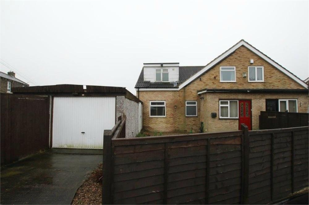 4 Bedrooms Semi Detached House for sale in Moon Close, Birstall, BATLEY, West Yorkshire