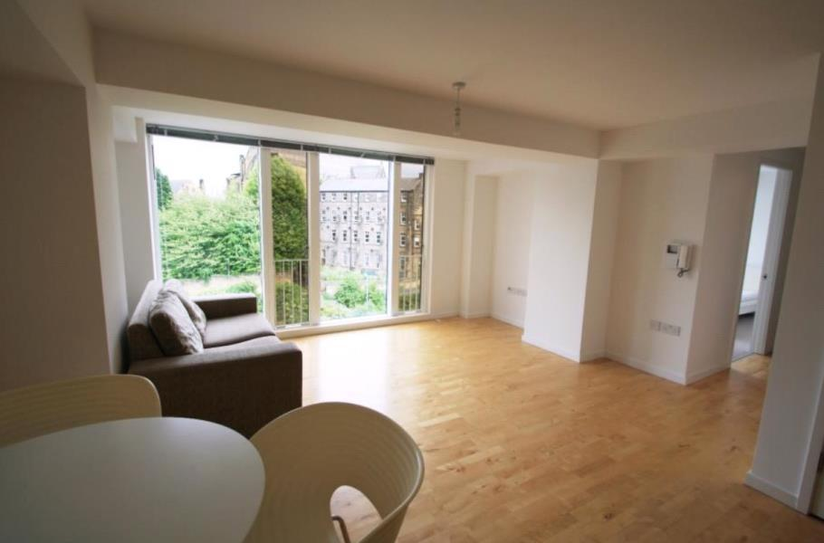 1 Bedroom Apartment Flat for sale in SAXTON, THE AVENUE, LEEDS, LS9 8FW