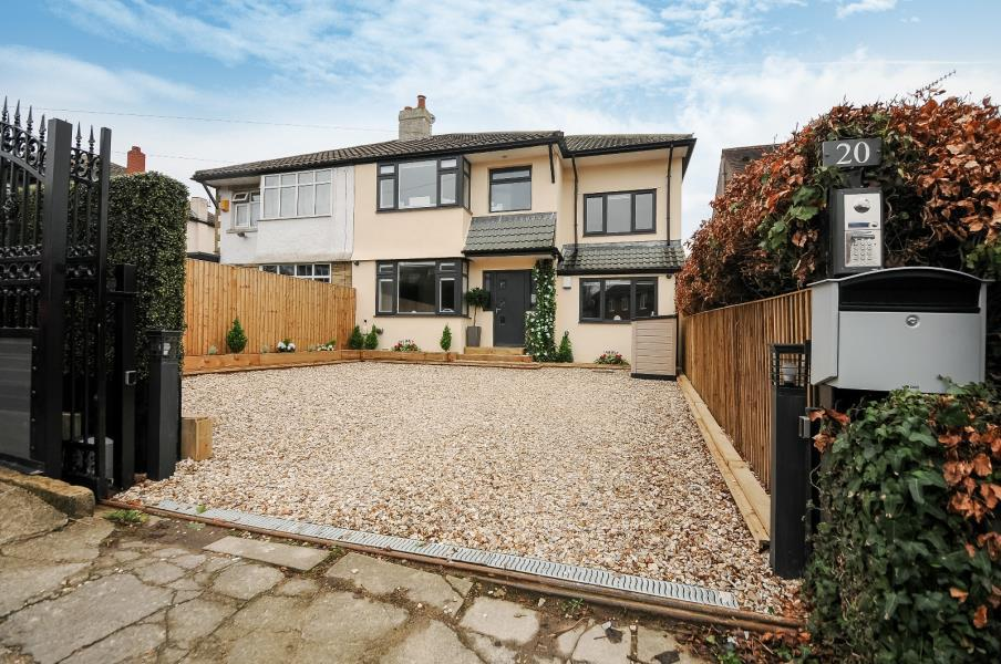 5 Bedrooms Semi Detached House for sale in WEST WAY, SHIPLEY, BD18 4HW