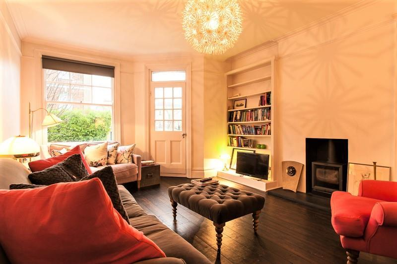 2 Bedrooms Flat for sale in Arundel Terrace, Barnes