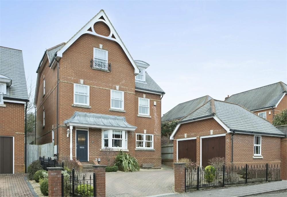 5 Bedrooms Detached House for sale in Lancaster Avenue, Guildford, Surrey