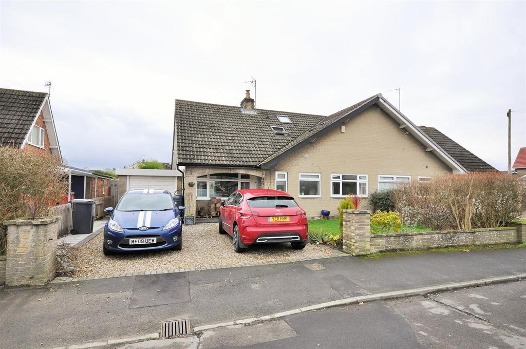 4 Bedrooms Semi Detached Bungalow for sale in Elm Tree Avenue, Upper Poppleton, York, YO26 6HL