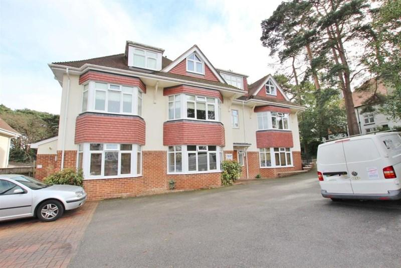 2 Bedrooms Apartment Flat for sale in Howard Road, Bournemouth
