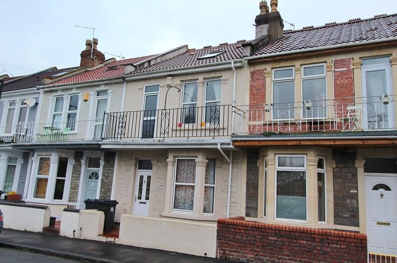 3 Bedrooms Terraced House for sale in Lyndale Road, St George, Bristol