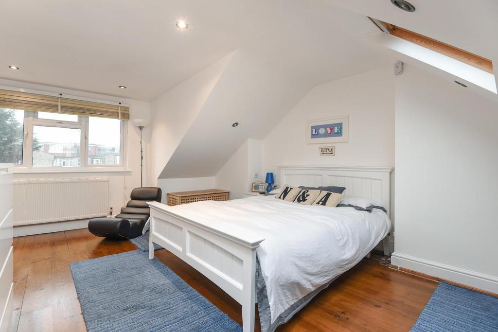2 Bedrooms Maisonette Flat for sale in Woodlands Avenue, Finchley, N3
