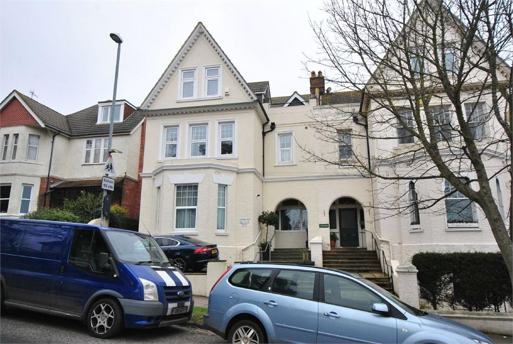 1 Bedroom Flat for sale in Clevedon Court, Upper Sea Road, BEXHILL-ON-SEA, East Sussex