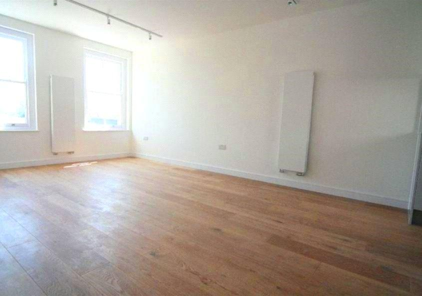 2 Bedrooms Flat for sale in The Railway Tavern, Clifton Terrace, London, N4