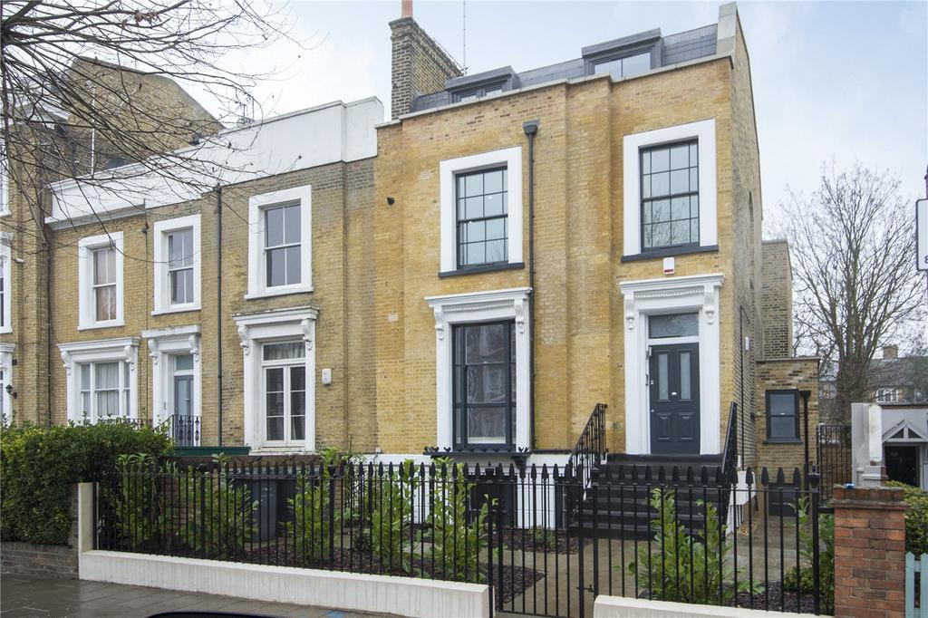 3 Bedrooms Flat for sale in King Edwards Road, London, E9
