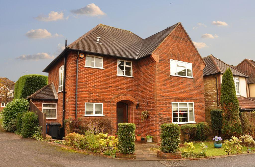 3 Bedrooms Detached House for sale in Joiners Lane, Chalfont St Peter, SL9