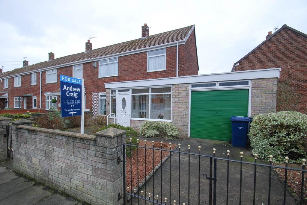 2 Bedrooms Terraced House for sale in Defoe Avenue, South Shields