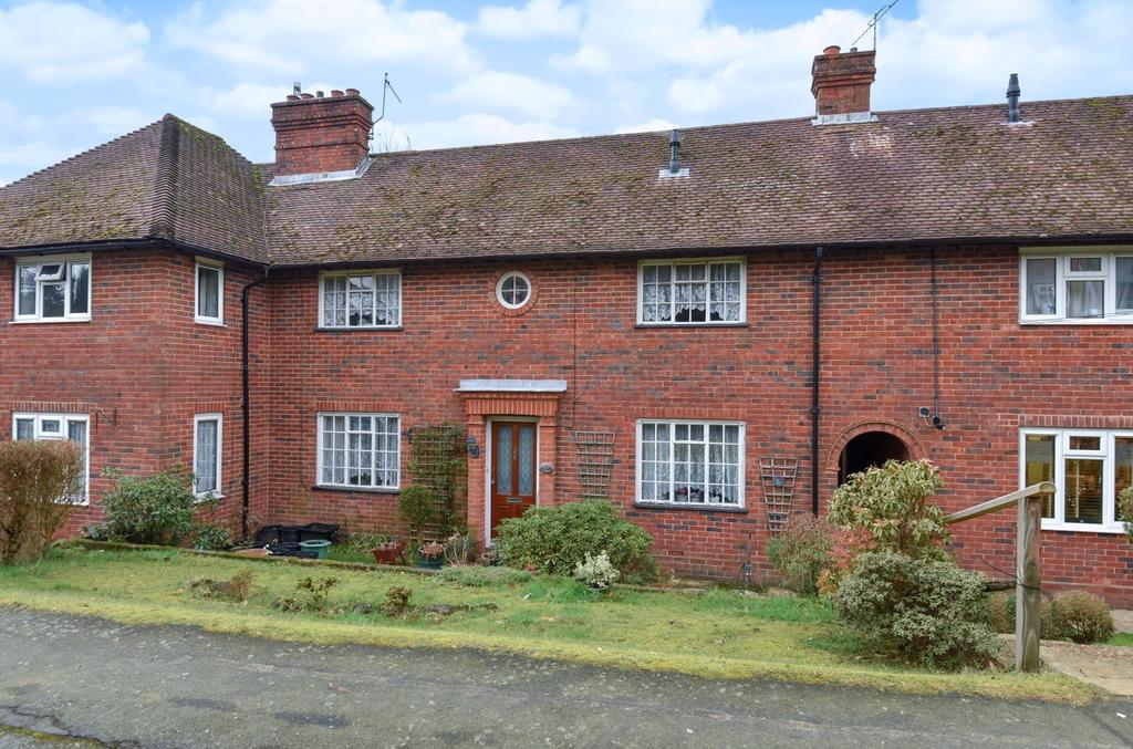 3 Bedrooms House for sale in Sickle Road, Haslemere, GU27