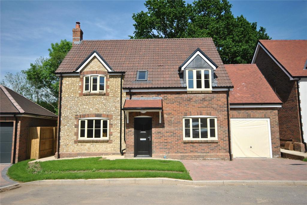 5 Bedrooms House for sale in Touches Lane, Chard, Somerset, TA20