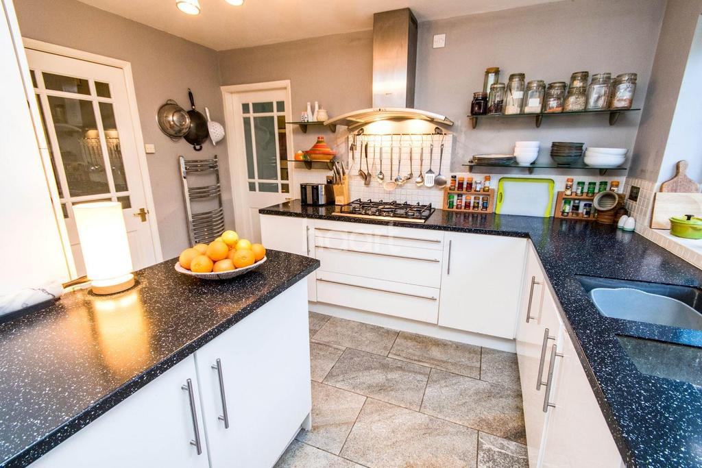 5 Bedrooms Detached House for sale in Cumberland Avenue, Wellingore