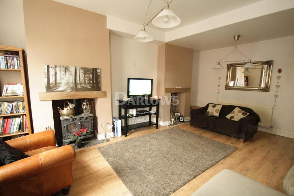 3 Bedrooms Terraced House for sale in South Street, Sebastapol