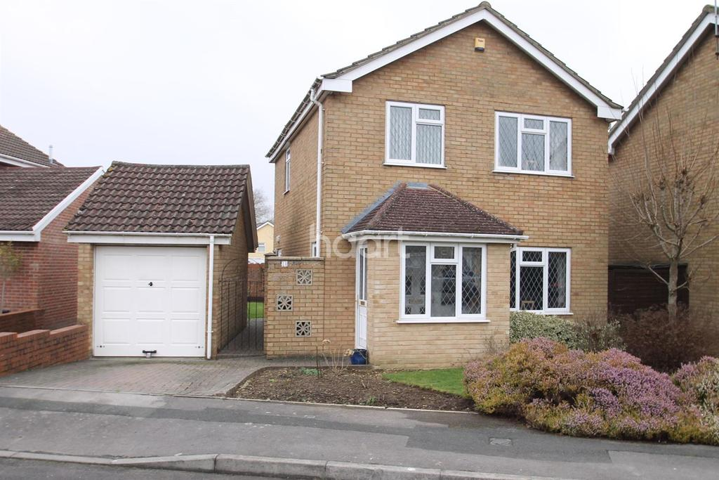 3 Bedrooms Detached House for sale in Kingsdown Park