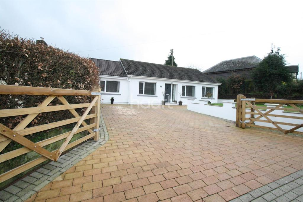 4 Bedrooms Bungalow for sale in St Maughans, Monmouth, Monmouthshire