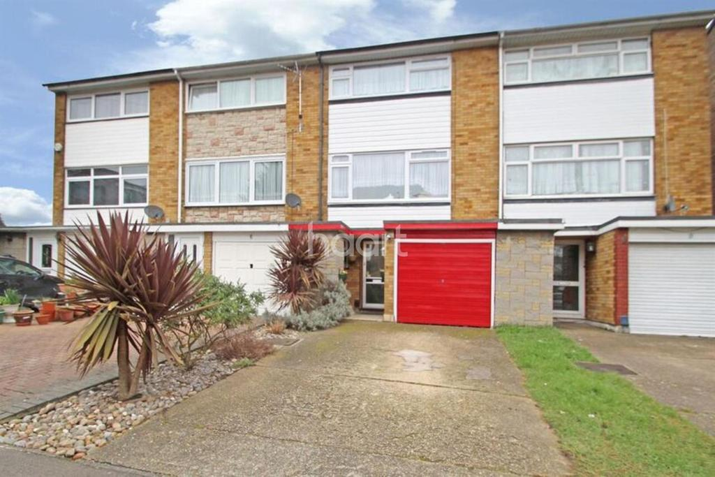 3 Bedrooms Terraced House for sale in Louise Gardens, Rainham