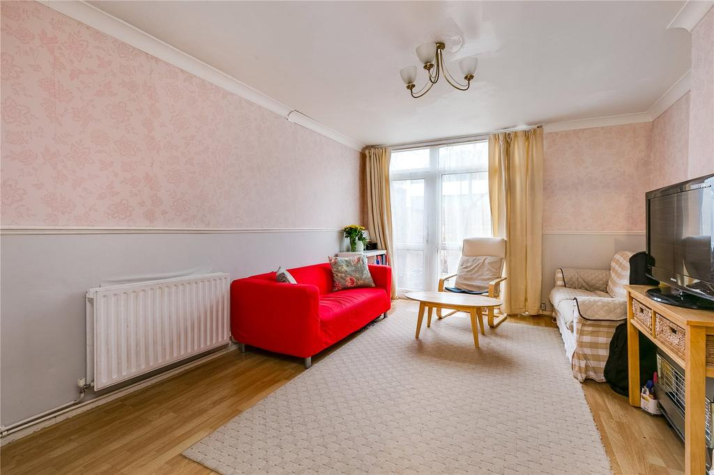 3 Bedrooms Flat for sale in Stambourne House, Lansdowne Way, London