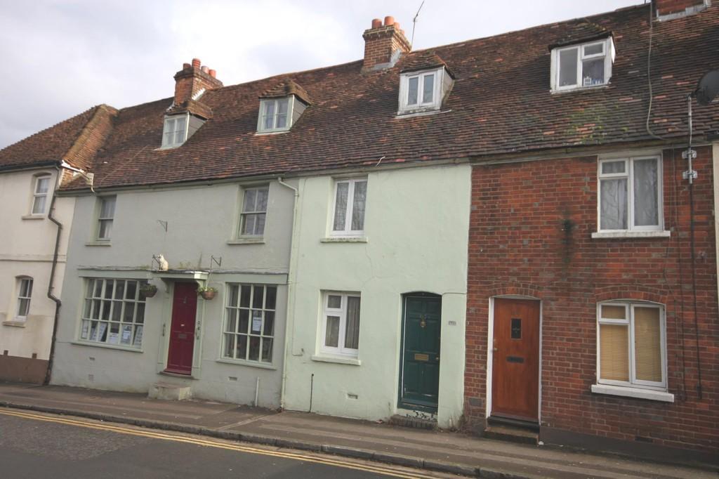 2 Bedrooms Terraced House for sale in RAMPART ROAD, SALISBURY, WILTSHIRE