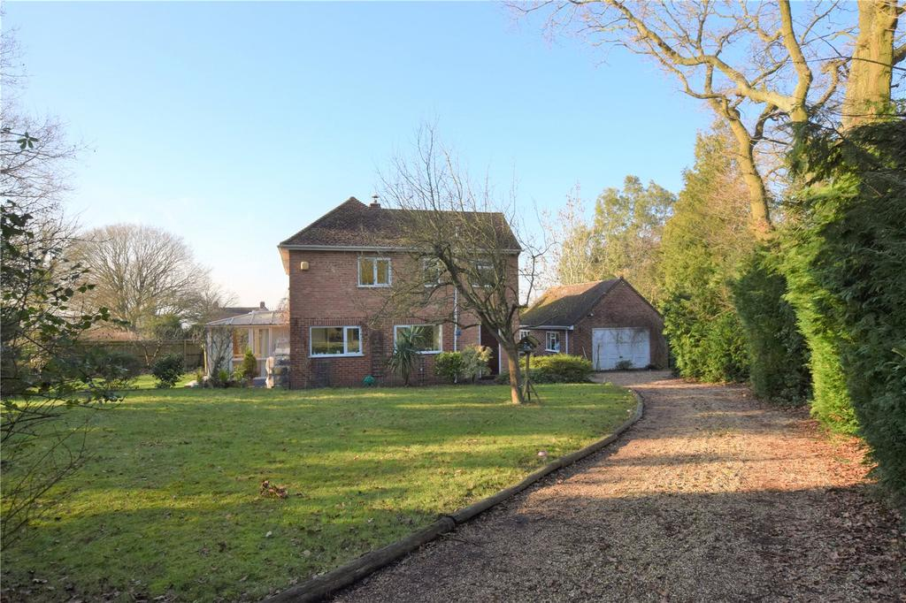 4 Bedrooms Detached House for sale in Sulhamstead Hill, Sulhamstead, Reading, Berkshire, RG7