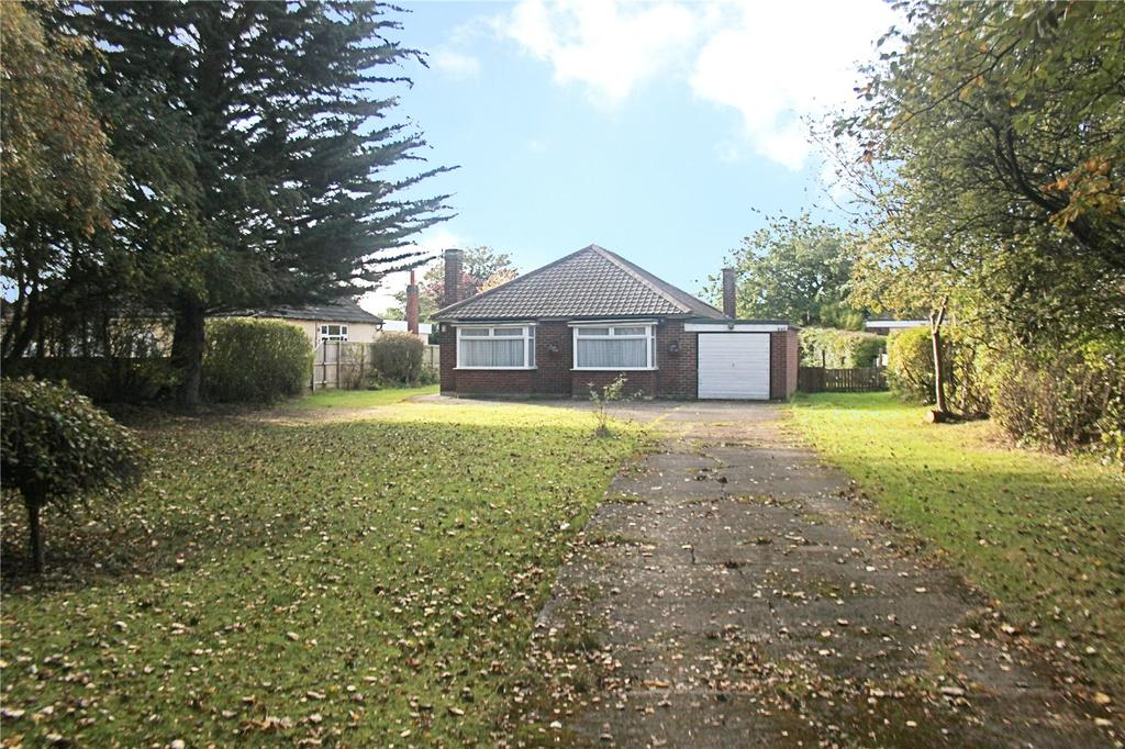 3 Bedrooms Detached Bungalow for sale in Thornaby Road, Thornaby