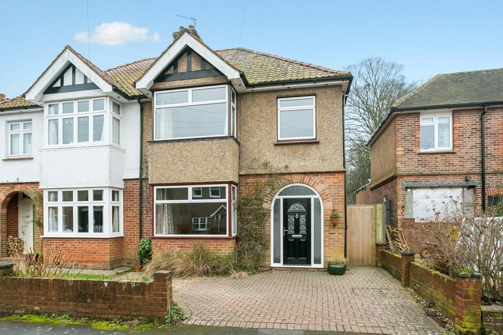 3 Bedrooms Semi Detached House for sale in St Andrews Park Road, Southborough