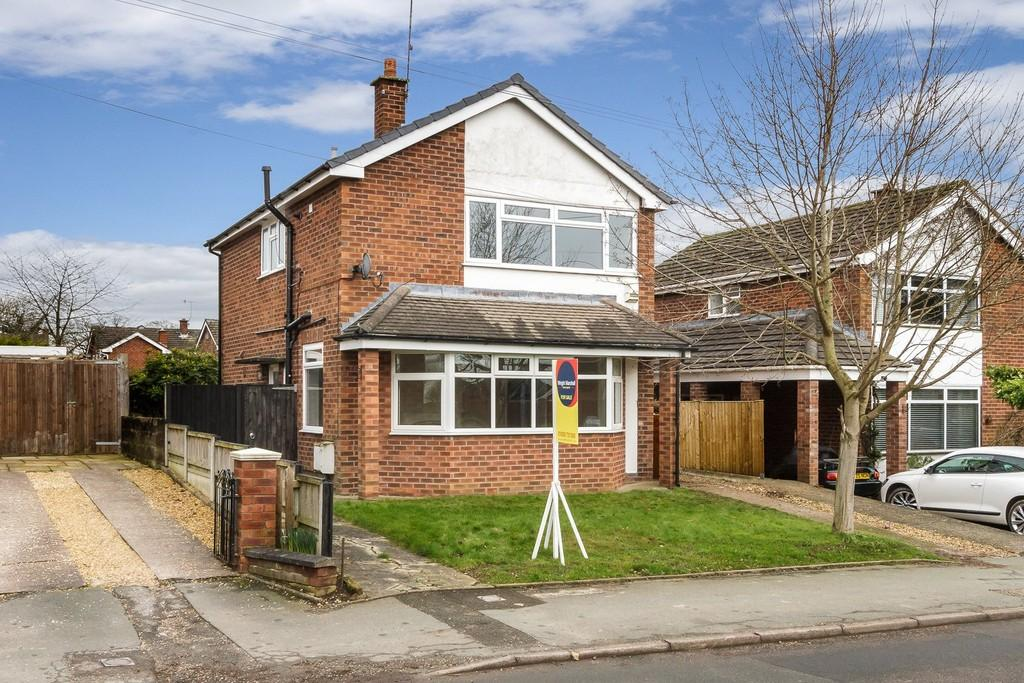 3 Bedrooms Detached House for sale in 19 Bowmere Road, Tarporley, CW6 0BS