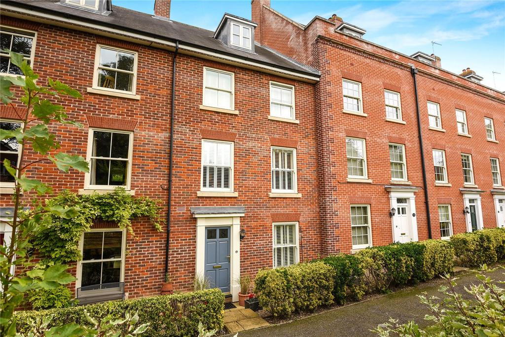 4 Bedrooms Terraced House for sale in Tupman Walk, Bury St Edmunds, Suffolk, IP33