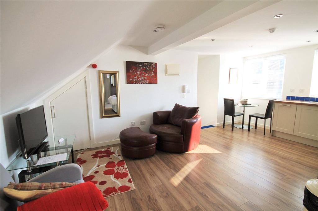 Studio Flat for sale in Sun Street, Newmarket Road, Cambridge, CB5