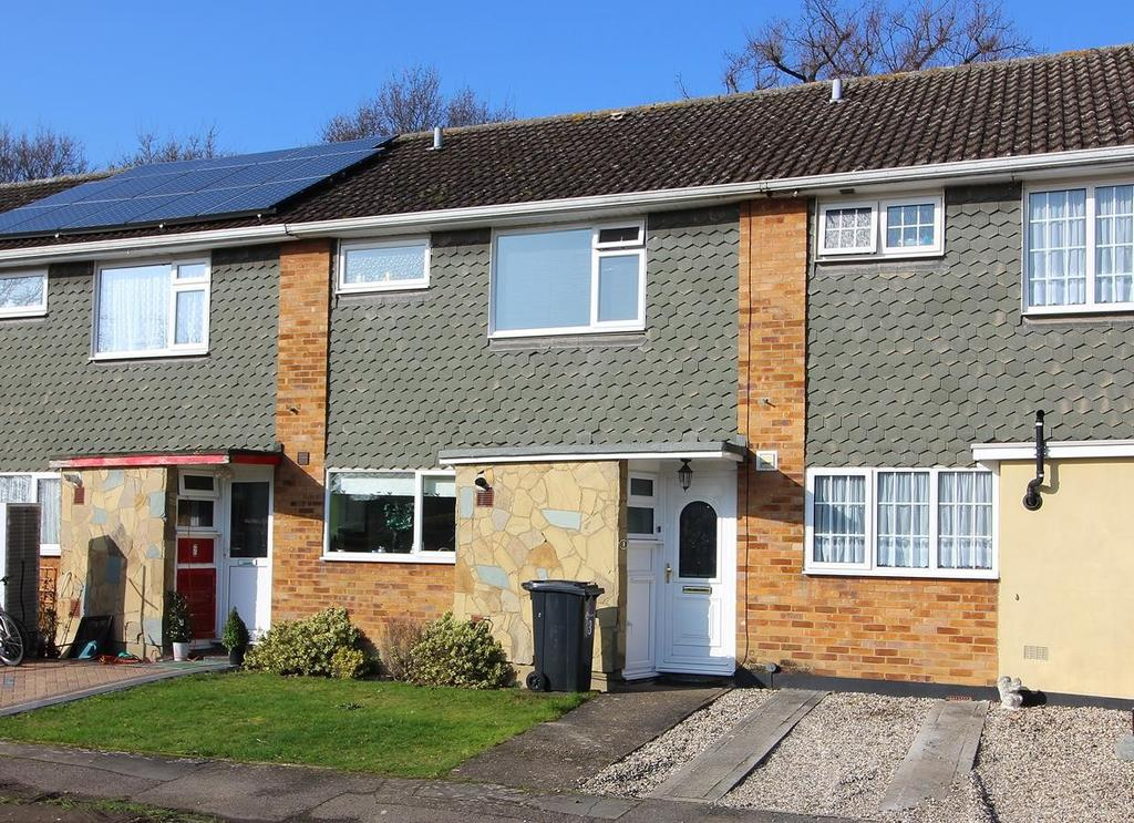 3 Bedrooms Terraced House for sale in The Leys, Chelmsford, Essex, CM2