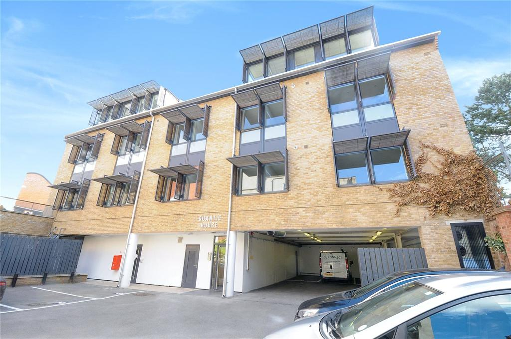 2 Bedrooms Flat for sale in Quantic House, 135 Salusbury Road, Queens Park, London, NW6