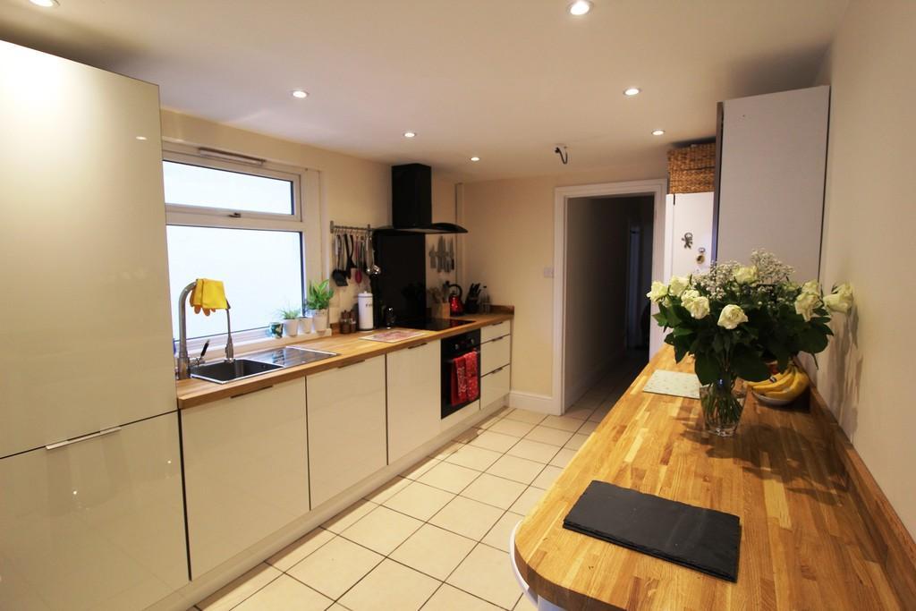 3 Bedrooms Terraced House for sale in Carlisle Street, Splott, Cardiff