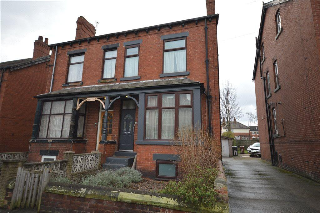 4 Bedrooms Semi Detached House for sale in Cross Flatts Avenue, Leeds, West Yorkshire