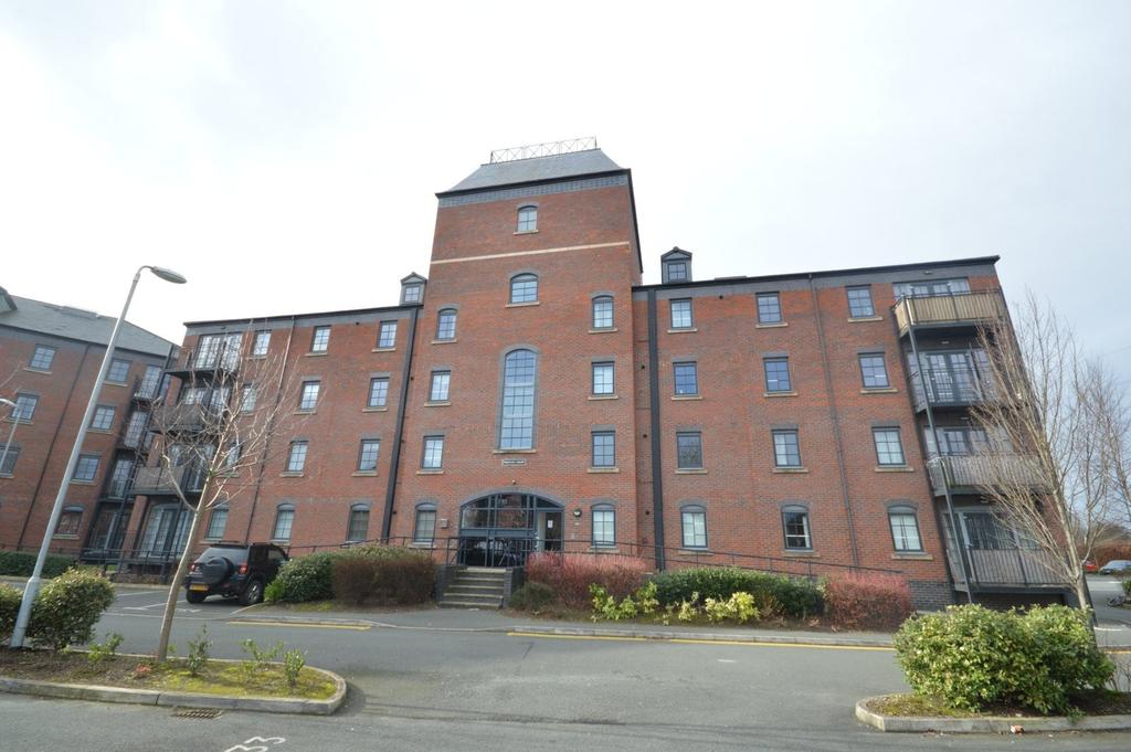 2 Bedrooms Apartment Flat for sale in Priestley Court, Elphins Drive, Warrington